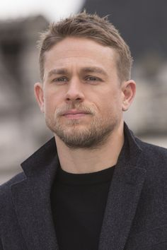 02/16/17 - 'Lost City of Z' London Photocall - 029 - Charlie Hunnam FAN | charlie-hunnam.net | charliehunnamfan.com |
