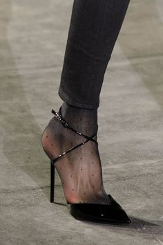 The Shoes at Paris Fashion Week You'll Want to Zoom in On Right Now