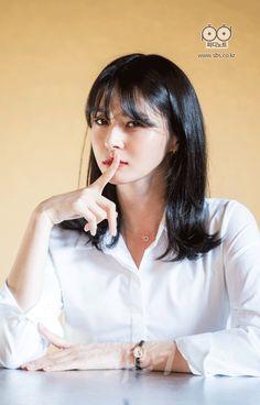달콤발랄 '수상한 파트너' 포스터 촬영 현장 개 출처:수상한 파트너|SBS PD노트 Korean Actresses, Korean Actors, Actors & Actresses, Suspicious Partner, Kdrama Actors, Portrait Poses, Cute Asian Girls, Korean Celebrities, Girl Bands
