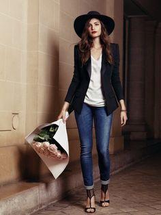 Parisian Chic Street Style - Dress Like A French Woman (8)