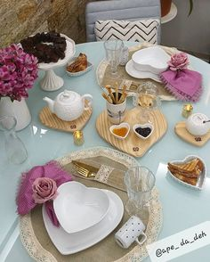 Tiered Cakes, Tables, Dining Room, Valentines, Table Decorations, Diy, Home Decor, Dinner Table Decorations, Breakfast Tables
