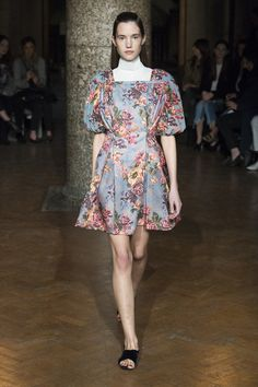 See the complete Emilia Wickstead Fall 2017 Ready-to-Wear collection.