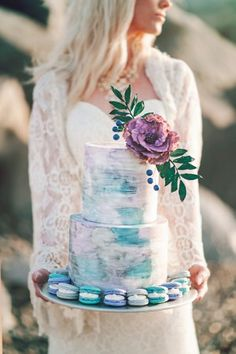 seaside watercolor wedding cake - by London Light Photography