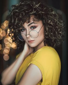 Autumn Eye Makeup Guide for Brown Eyes (Natural Brands) - All For Hair Color Trending Cool Haircuts For Women, Make Up Guide, Shaggy Hair, Seasonal Color Analysis, Fall Makeup Looks, Hair Care Tips, Great Hair, Hair Type, Portrait Photography