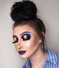 Day what would you call this look because I honestly don't know, but I like it😂 Halloween Eye Makeup, Halloween Eyes, Cream Contour, Contour Kit, Brows, Eyeliner, Crystal Lips, Loose Pigments, Makeup Challenges