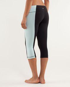 Great fitting crop yoga pants