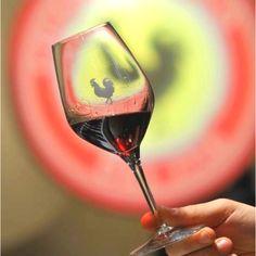 En savoir plus sur les vins Chianti Classico Gallo Nero Italie Chianti Wine, Chianti Classico, Grapes And Cheese, Wine Cheese, Italian Wine, Wine Cellar, Wine Country, Red Wine, Wine Glass