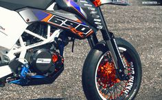 KTM SMC 690 RR – Dario DEE Custom build