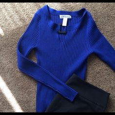 Bright blue form fitting sweater Beautiful blue with unique collar and body hugging style Chaus Sweaters Crew & Scoop Necks