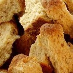 Buttermilk Ouma Rusks Recipe I'm going to miss these so much when I leave SA! Buttermilk Rusks, Buttermilk Recipes, Baking Recipes, Dessert Recipes, Desserts, Kos, Rusk Recipe, Key Food, South African Recipes