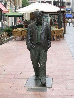Oviedo, Asturia España - Wood Allen