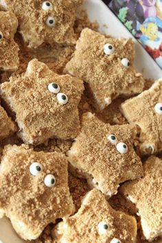 Starfish Rice Crispie Treats for a fun birthday party or pool party.