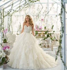 Sweetheart Organza Wedding Dresses Strapless Beading Full Length New Bridal Gown high heels dress shoes Mori Lee Bridal, Mori Lee Wedding Dress, Wedding Dress Organza, Bridal Wedding Dresses, Wedding Dress Styles, Dream Wedding Dresses, Ivory Wedding, Organza Bridal, Bridesmaid Dresses