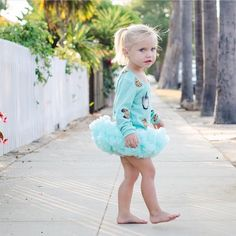 Love this photo and length of this skirt! One of our most favorite colors! Get your mini pettiskirt in our store! Link in profile! #rufflesandtutus #1stbirthday #2ndbirthday #girlygirl #socal #photography #kidsmodel #igkiddies #kidsfashion #tutu #ruffles #sandiego #kidsphotography #cakesmash