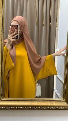 Modest Fashion Hijab, Modern Hijab Fashion, Hijab Chic, Abaya Fashion, Muslim Fashion, Niqab, Hijab Fashionista, Indian Designer Suits, Girl Fashion