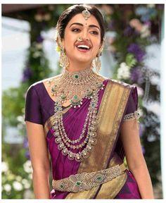 Bridal Sarees South Indian, Indian Silk Sarees, Indian Bridal Outfits, Indian Bridal Fashion, South Indian Bride, Indian Beauty Saree, Royal Indian, Silver Jewellery Indian, Indian Jewellery Design