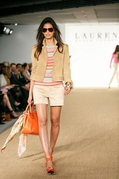 Love this look from head to toe. Planing to wear heels and shorts this spring! #fashion