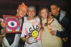 Rave Culture & Acid House: the beginning of the revolution - Techno Station Diy Outfits, Grunge Outfits, 90s Fashion Grunge, Outfits Casual, Style Outfits, Rave Outfits, Hippie Fashion, Fashion Kids, Fashion Male