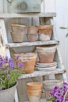 Ladder for terra cotta pots