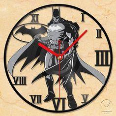 vinyl wall clock Batman by Anantalo on Etsy Batwoman, Batgirl, I Am Batman, Batman Stuff, Ben Affleck Batman, Vynil, Nananana Batman, Diy Recycling, Nerd