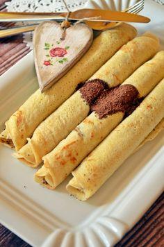 Klasszikus házi palacsinta (bögrésen is) | Rupáner-konyha Hot Dog Buns, Hot Dogs, Sausage, Pancakes, Bread, Cookies, Baking, Desserts, Recipes
