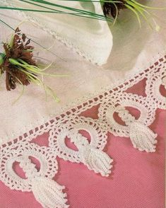 Free Knitting, Knitting Patterns, Lace Making, Crochet Lace, Crochet Edgings, Duvet, Diy And Crafts, Towel, Sewing