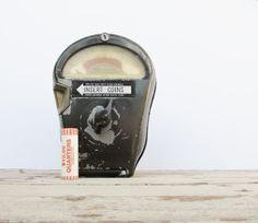 Industrial Urban Decor Metal Parking Meter, Great Guy Gift on Etsy, Sold Urban Rooms, Urban Ideas, Urban Decor, Vanity Decor, Vintage Items, Vintage Stuff, Vintage Decor, Unique Vintage, Rustic Design