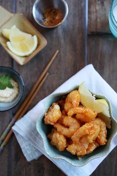 Shrimp Dynamite is one of my favorite Japanese appetizer dishes. It's basically shrimp battered and deep fried to golden perfection and tossed with a honey-mayonnaise light dressing. Sounds really simple but they are oh-so-addictive. #japanese #appetizer
