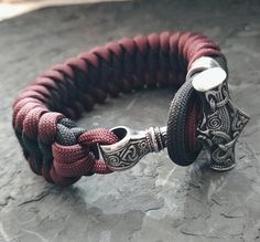 Hey, I found this really awesome Etsy listing at https://www.etsy.com/listing/606853821/thors-hammer-mjollnir-paracord-bracelet