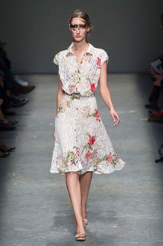 Vivienne Westwood at London Fashion Week Spring 2016 - Runway Photos