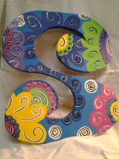 Swirly S Letter Door Hangers, Initial Door Hanger, Wall Hanger, Painting Wooden Letters, Painted Letters, Do It Yourself Projects, Projects To Try, Painted Hats, Door Hangings