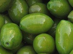 Bella di Cerignola. Italian Olive Type #olive #food #gourmet #foodblog #foodbloger #appetizer #partyfood #aperitivo #apero #italy #italianfood #healthyfood #healthyliving #healthylunch #healthylife #healthysnacks