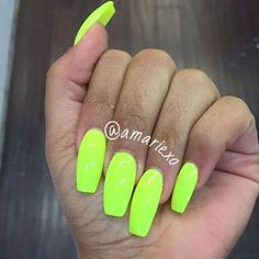These square measure the brightest nails you'll be able to find! They glow in light-weight so that they square measure thus fun for the club, bowling or anyplace they could glow! Lime Green Nails, Neon Yellow Nails, Bright Nails, Neon Nails, Swag Nails, My Nails, Cute Nails, Pretty Nails, Neon Nail Polish