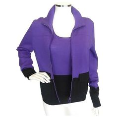 Pre-Owned Akris purple/black Twin Set Sweater Set Sz Med Euro 42 ($110) ❤ liked on Polyvore featuring tops, blue, purple top, zip front top, akris punto and blue top