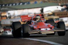 Jochen Rindt in a Lotus 72 at Jarama during the Spanish Grand Prix in 1970 Lotus F1, Spanish Grand Prix, Italian Grand Prix, F1 Racing, Drag Racing, Formula 1, Grand Prix F1, Jochen Rindt, Le Mans Series