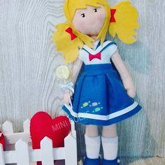 Lemon Candy. Disponible.  #youtube #anime #artesania #art #artdoll #dolls #dollart #sweet #sewing #sew #fetama #felt #fieltro #handmade #hechoamano #kawaiiworl #kawaii #lovemylive #candy #lemon #sakura #blythe #minidolls #muñequeando #muñecas #nines