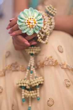 Looking for Floral necklace? Browse of latest bridal photos, lehenga & jewelry designs, decor ideas, etc. on WedMeGood Gallery. Flower Jewellery For Mehndi, Silver Jewellery Indian, Indian Wedding Jewelry, Bridal Jewelry, Flower Jewelry, Silver Jewelry, Indian Bridal, Pearl Jewelry, Silver Ring