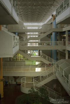 Interior circulation of the University of Tennessee Art & Architecture Building. Built in 1981 and designed by McCarty Bullock Holsaple (now McCarty Holsaple McCarty