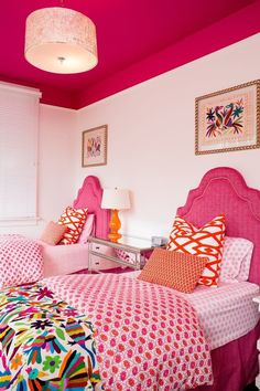 Plafond rose bedroom for girls Plafond Rose, Home Bedroom, Bedroom Decor, Bedroom Ideas, Bedroom Girls, Hot Pink Bedrooms, Sister Bedroom, Bedroom Styles, Teenage Bedrooms