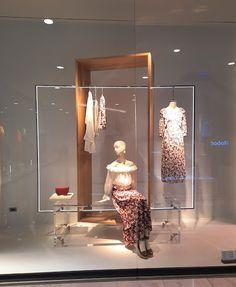 ZARA windows in EmQuartier in Bangkok, Thailand Visual Merchandising Displays, Store Window Displays, Retail Shop, Bangkok Thailand, Nova, Nursery, Windows, Interiors, Boutique