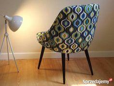 Witam,  Oferuję na sprzedaż fotel po całkowitej renowacji, z lat 60-tych ubiegłego wieku.  Fotel ma niesamowicie designerski kształt, nowoczesna tkanina powoduje, że mebel idealnie nada się do ultranowoczesnych mieszkań w stylu Mid-Century czy retro.  Fotel znajduje się w Zielonej Górze, transport kurierem 20zł.  Wymiary (szer x głęb. x wys) 54 x 50 x 73cm  Więcej informacji oraz zdjęcia w lepszej rozdzielczości na życzenie.  Zapraszamy na inne aukcje!