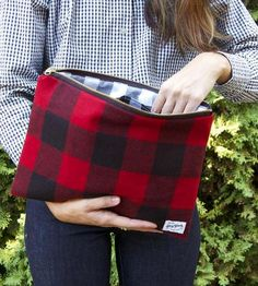 Gerry Buffalo Plaid Clutch by Grey Goods on Scoutmob Shoppe. I would like this better if it wasn't a clutch Moda Mania, Creation Couture, Tartan Plaid, Plaid Purse, Fall Plaid, Black Plaid, Fall Trends, Buffalo Plaid, Purses And Bags