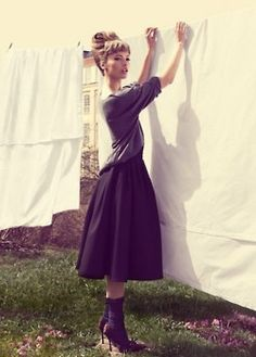 I'd like this whole look. Including the vintage clothesline.
