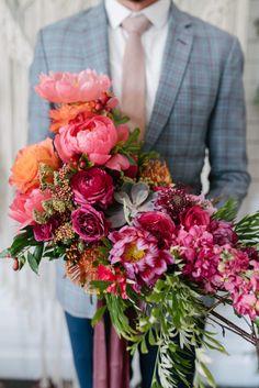 Planning A Fantastic Flower Wedding Bouquet – Bridezilla Flowers Wedding Flower Guide, Purple Wedding Flowers, Purple Roses, Bridal Flowers, Flower Bouquet Wedding, Red Wedding, Floral Wedding, Bridal Bouquets, Wedding Ideas