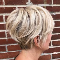 Today we have the most stylish 86 Cute Short Pixie Haircuts. We claim that you have never seen such elegant and eye-catching short hairstyles before. Pixie haircut, of course, offers a lot of options for the hair of the ladies'… Continue Reading → Haircut For Older Women, Short Hair Cuts For Women, Short Hair Styles, Haircut And Color, Pixie Haircut, Great Hair, Hair Today, Hair Dos, Fine Hair
