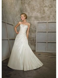 Taffeta Sweetheart Vertical Pleated Bodice A-line Wedding Dress