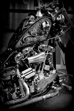Custom Harley Davidson Choppers a part of a series of pictures galleries. Picture galleries showcasing the hottest custom Harley, street bikes, bobbe Motos Harley Davidson, Harley Davison, Motorcycle Art, Bike Art, Motorcycle Stickers, Cool Motorcycles, Triumph Motorcycles, Indian Motorcycles, Custom Harleys