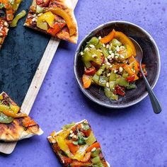 AvocadoBanane - original asiatische & gesunde, moderne Küche Loving the weather! Perfect for everyday BBQs! Who's up for some grilled Foccacia? Grilled Bell Peppers, Stuffed Peppers, Avocado, Vegetable Pizza, Delish, Food Photography, Grilling, Bbq, Veggies