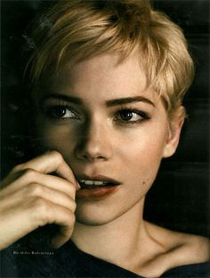 I want to cut my hair just like this, but my face is quite a bit rounder than hers...