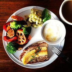 S breakfast. - breakfast in 2019 завтр Dinner Recipes For Kids, Healthy Dinner Recipes, Healthy Snacks, Breakfast Recipes, Breakfast Ideas, No Cook Meals, Kids Meals, Gourmet Dog Treats, Healthy Food Delivery
